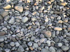 Muchas piedras todas las formas rio natural sostenible Sostenibilidad