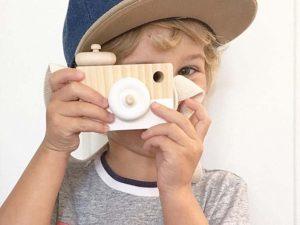 Cámara-Fotos-MADERA-niños-blanca-fondo comprar sin plástico ecológico sostenible natural