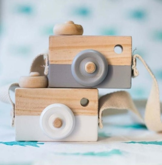 Cámara-Fotos-MADERA-niños-gris-y-blanca comprar sin plástico ecológico sostenible natural