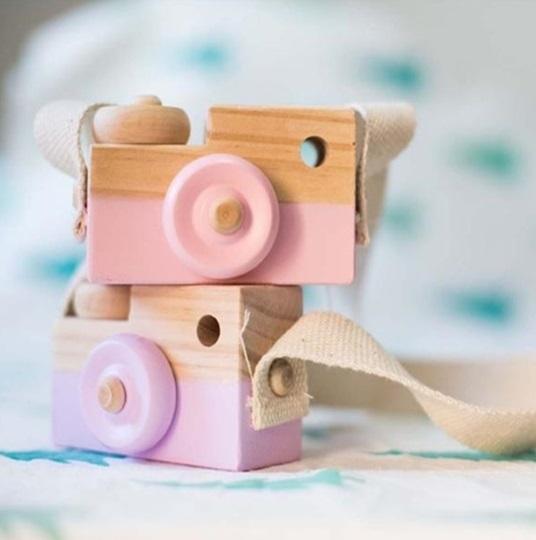 Cámara-Fotos-MADERA-niños-rosa-y-morada comprar sin plástico ecológico sostenible natural